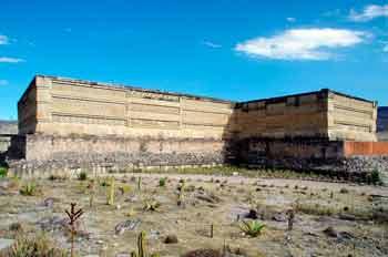 la zona arqueológica de mitla